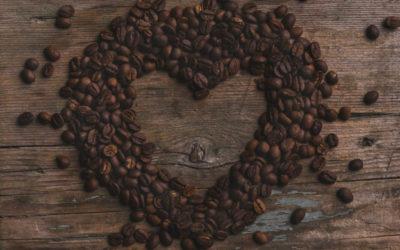 Bere caffè protegge dal cancro del colon